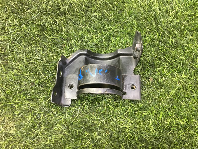 Крепление топливного фильтра Nissan Presage JHU30 QR25DE 2001 (б/у)