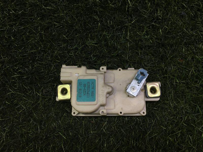 Активатор двери багажника Nissan Terrano LR50 VG33E 1999 (б/у)