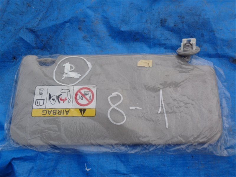 Козырек солнцезащитный Toyota Esquire ZRR80 левый (б/у)