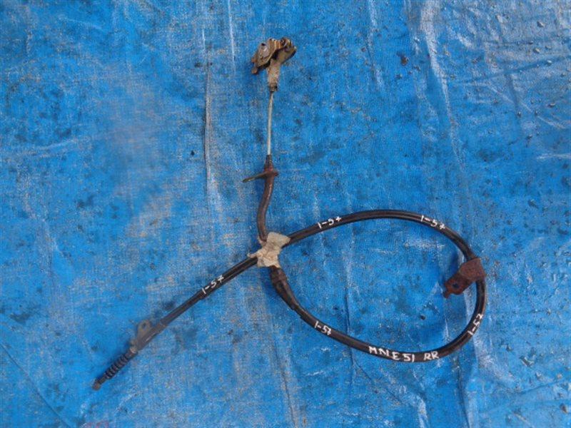 Тросик ручника Nissan Elgrand MNE51 VQ25DE правый (б/у)