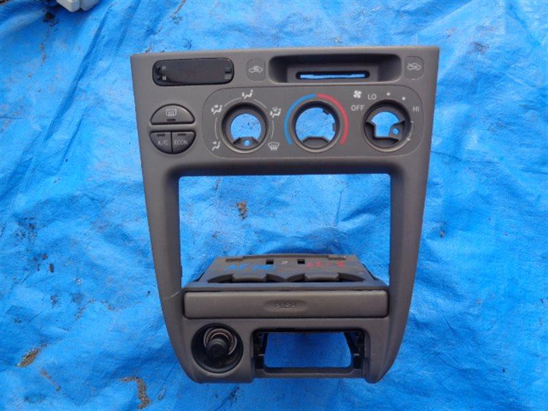 Консоль магнитофона Toyota Sprinter AE114 4A-FE (б/у)