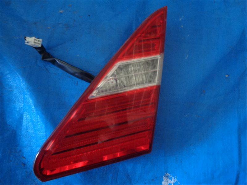 Стоп вставка Toyota Celsior UCF31 3UZ-FE правый P3587 (б/у)