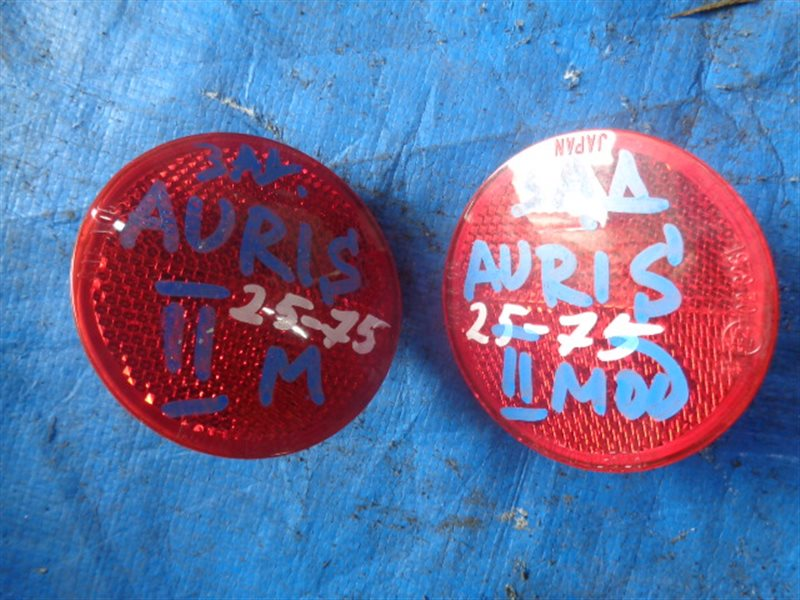 Катафот в бампер Toyota Auris NZE151H задний левый (б/у)