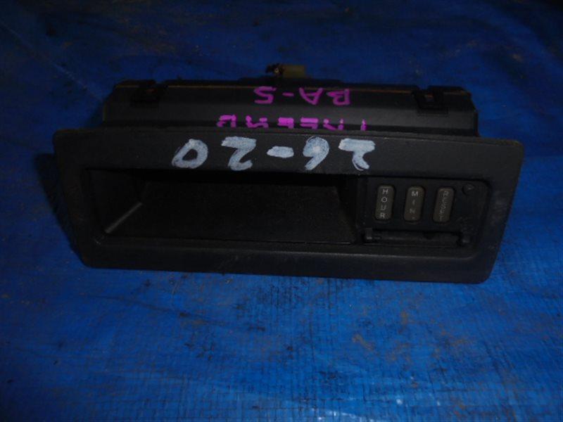 Часы Honda Prelude BA5 (б/у)
