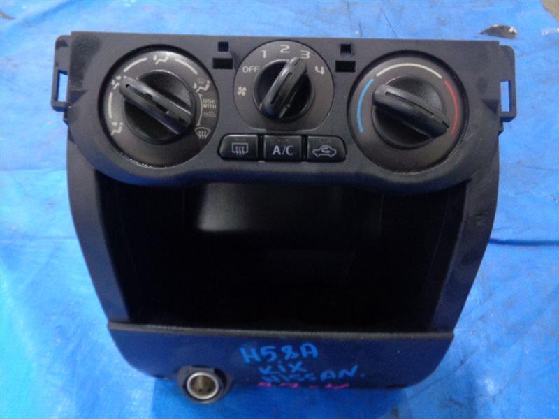Блок управления климат-контролем Nissan Kix H59A 681046A00E (б/у)