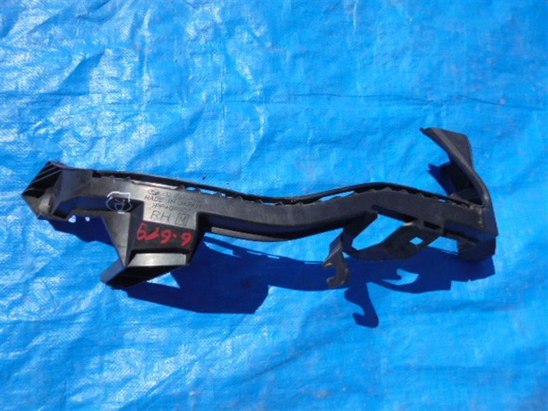 Планка под фары Subaru Impreza GJ передняя правая (б/у)