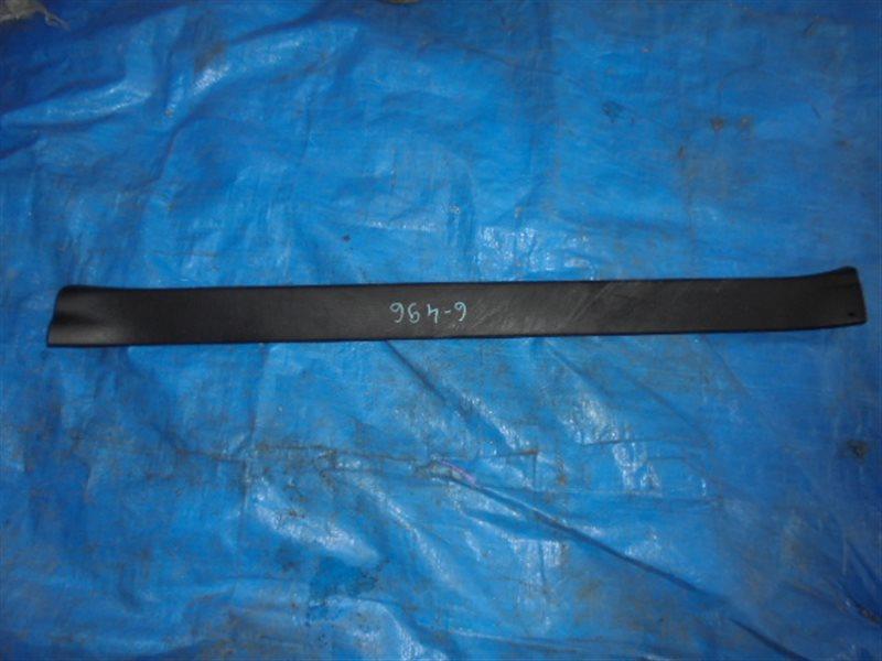 Порожек пластиковый Subaru Forester SH передний правый (б/у)