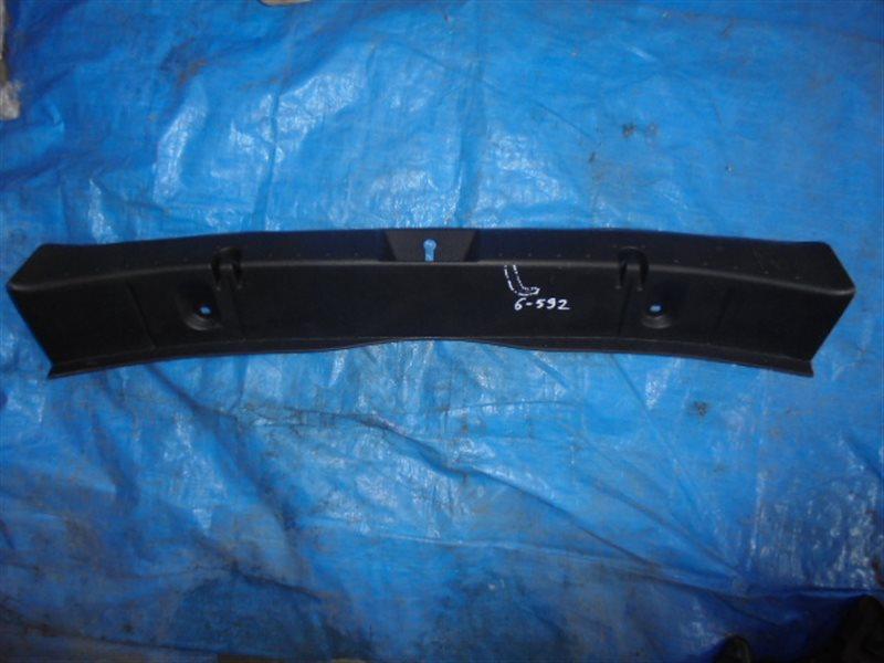 Накладка замка багажника Subaru Impreza GP2 (б/у)