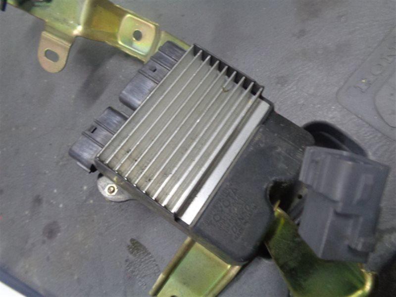 Блок управления форсунками Toyota Allion AZT240 1AZ-FSE 89871-20040, 131000-1140 (б/у)