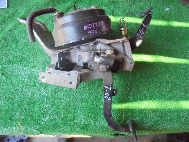 Педаль тормоза Mitsubishi Delica P25W 4D56 MT (б/у)
