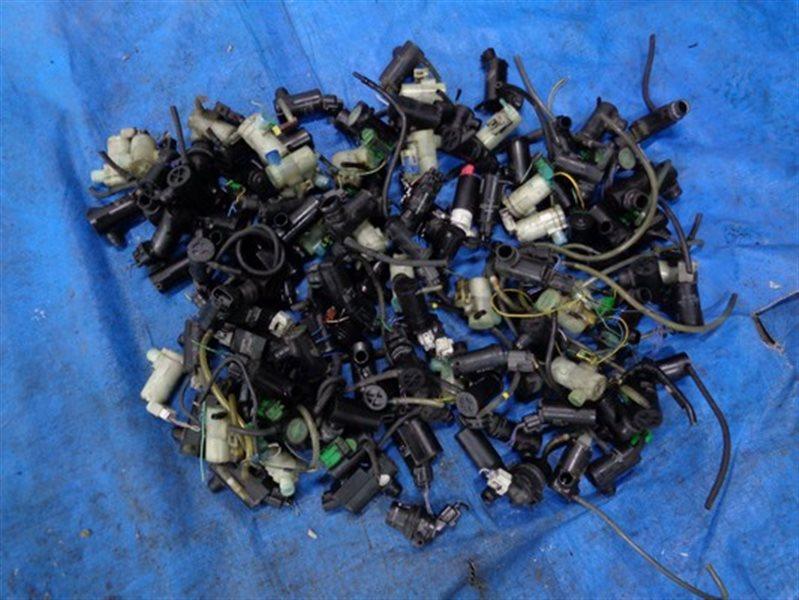 Мотор стеклоомывателя Toyota (б/у)