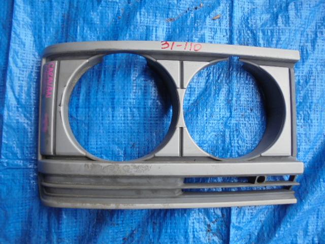 Очки на фары Nissan Caravan CYGE23 SD23 правые (б/у)