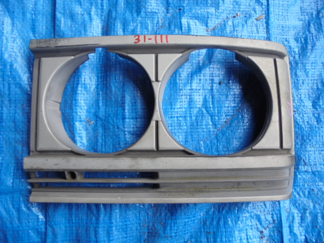 Очки на фары Nissan Caravan CYGE23 SD23 левые (б/у)