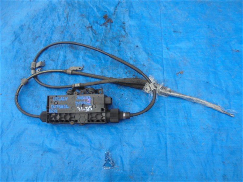 Тросик ручника Subaru Outback BR9 EJ253 (б/у)