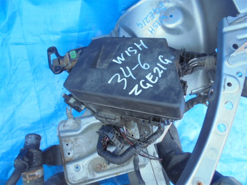 Блок предохранителей Toyota Wish ZGE21 3ZR-FAE правый (б/у)