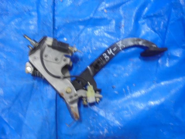 Педаль сцепления Subaru Forester SG5 EJ20 (б/у)