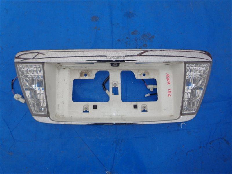 Вставка между стопов Toyota Crown Majesta UZS186 3UZ-FE (б/у)