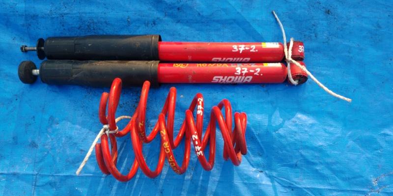 Амортизатор Honda Cr-Z ZF1 задний SHOWA (б/у)