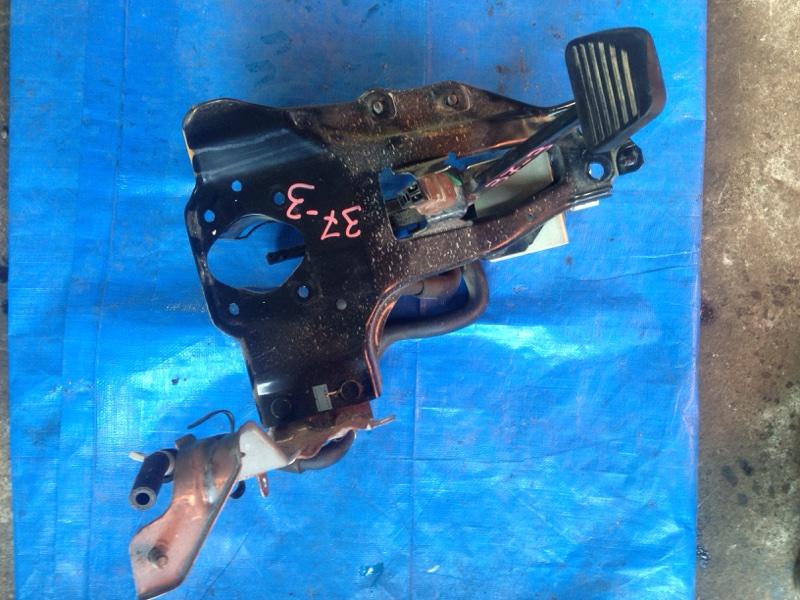 Педаль тормоза Isuzu Elf NHS85 4JJ1 (б/у)