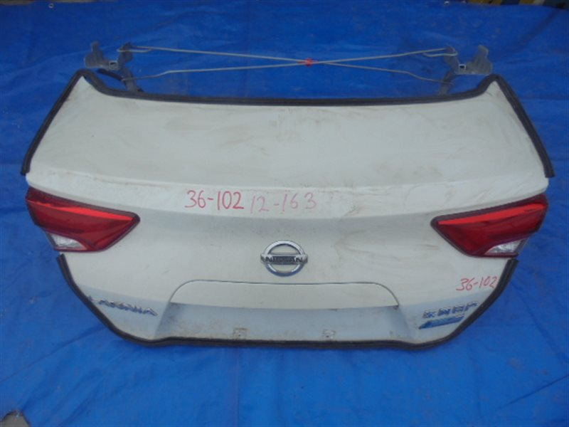 Крышка багажника Nissan Lannia U15Z HR16 (б/у)
