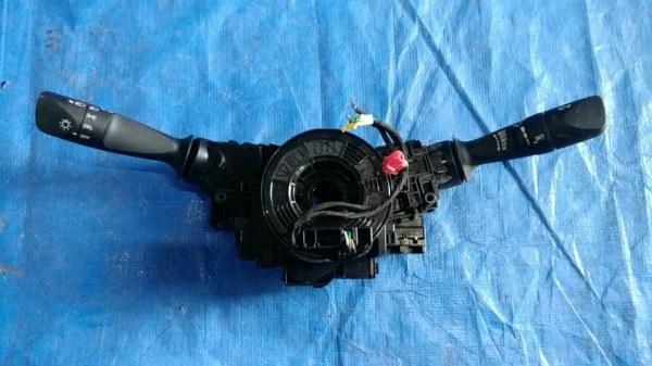 Блок подрулевых переключателей Toyota Prius Prime ZVW50 2ZR-FXE LEFT HAND (б/у)