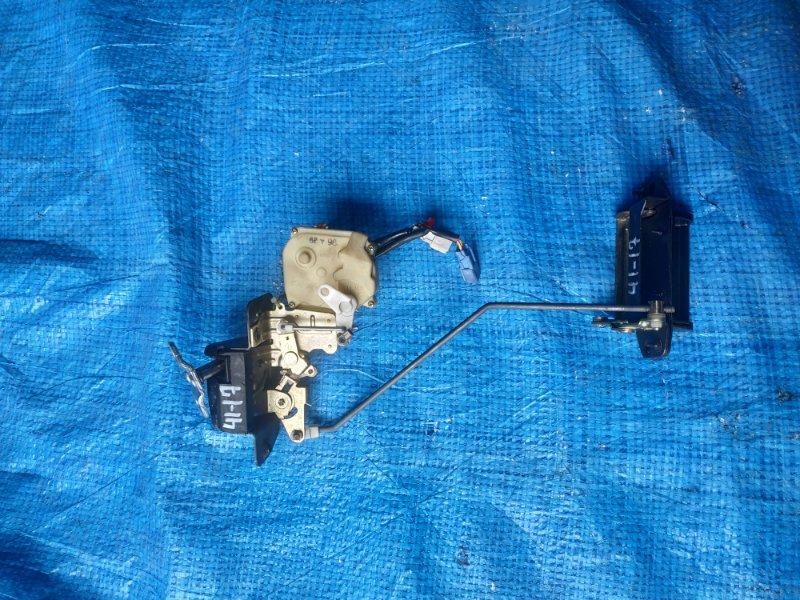Ручка задней двери Honda Odyssey RA2 F22B (б/у)
