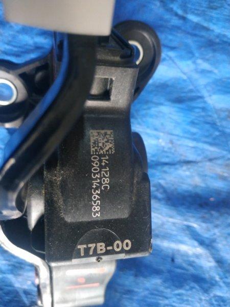 Педаль подачи топлива Honda Vezel RU3 LEB (б/у)
