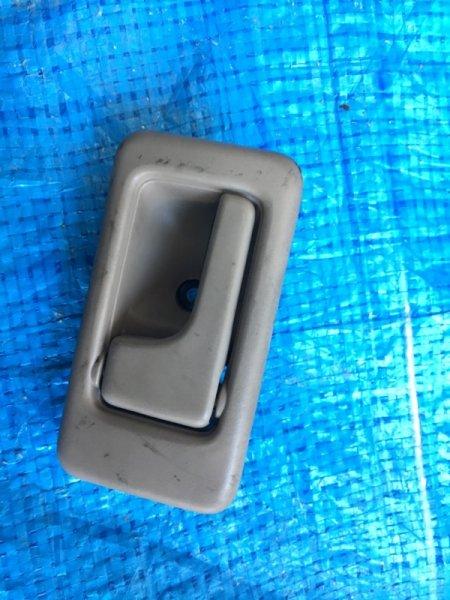 Ручка двери внутренняя Isuzu Bighorn UBS73 4JX1 передняя левая (б/у)