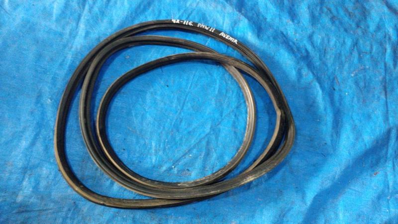 Уплотнительная резинка дверей Nissan Avenir PNW11 SR20DET (б/у)