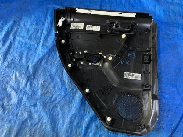 Обшивка дверей Hummer H3 задняя правая (б/у)