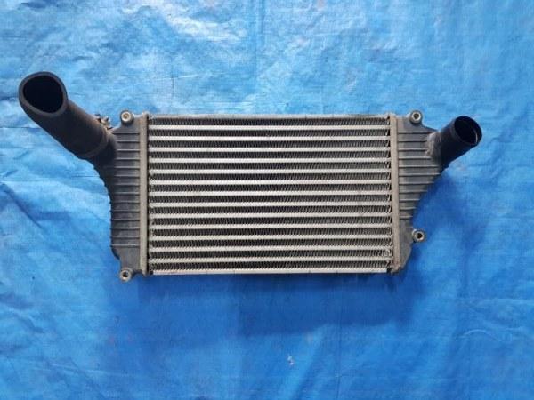 Радиатор интеркулера Mitsubishi Canter FE82DE 4M50T (б/у)