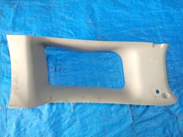 Обшивка багажника Hummer H3 задняя правая (б/у)
