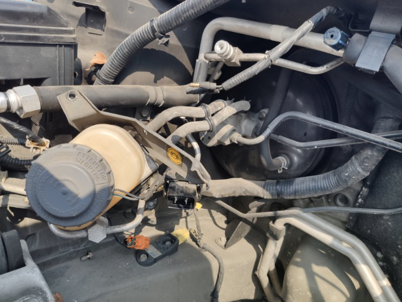 Главный тормозной цилиндр Honda Mdx YD1 J35A (б/у)