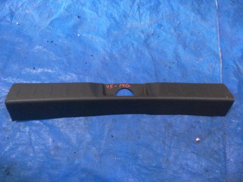 Накладка замка багажника Suzuki Hustler MR41S (б/у)