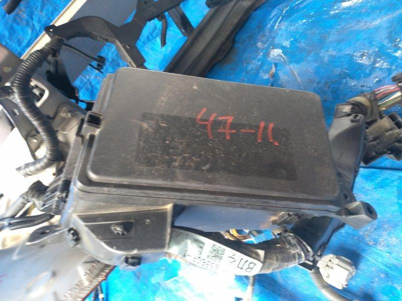 Блок предохранителей Lexus Is350 GSE21 4GR-FSE (б/у)