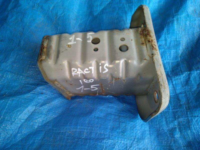 Крепление жесткости бампера Toyota Ractis NCP100 1NZ-FE переднее левое (б/у)