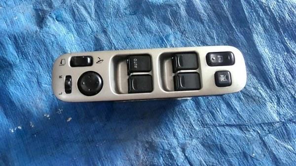 Блок упр. стеклоподьемниками Suzuki Aerio RB21S передний правый (б/у)