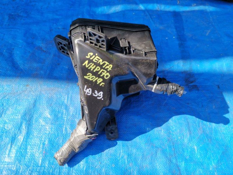 Блок предохранителей Toyota Sienta NHP170 (б/у)