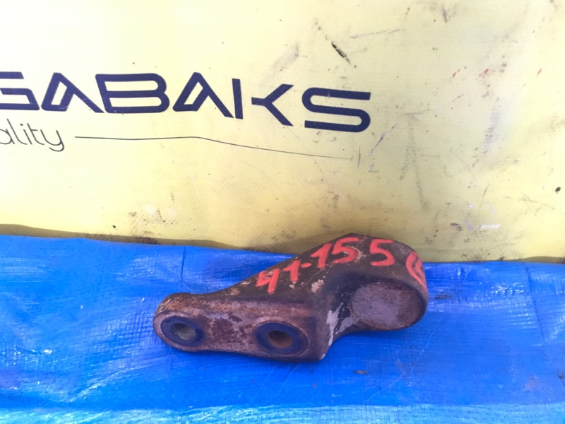 Крепление торсиона Nissan Atlas P8F23 TD27 4WD (б/у)