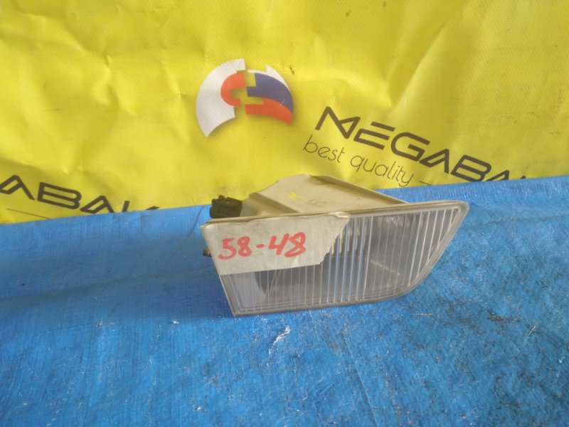 Повторитель бамперный Nissan Laurel GC35 правый P0726 (б/у)