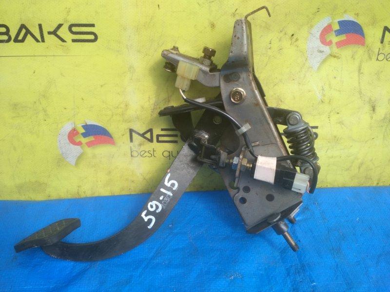 Педаль сцепления Subaru Legacy BH5 (б/у)