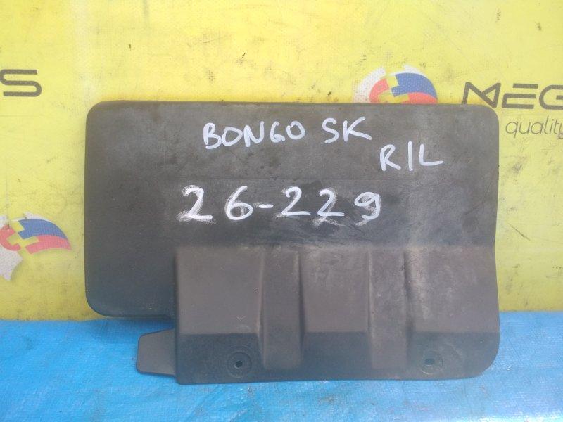 Брызговик Mazda Bongo SK82 задний левый (б/у)