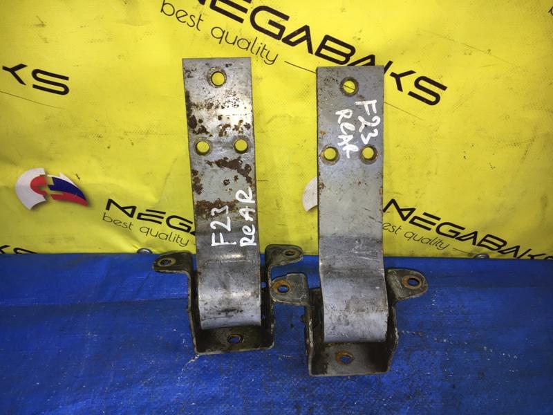 Петля дверная Nissan Atlas F23 задняя правая (б/у)