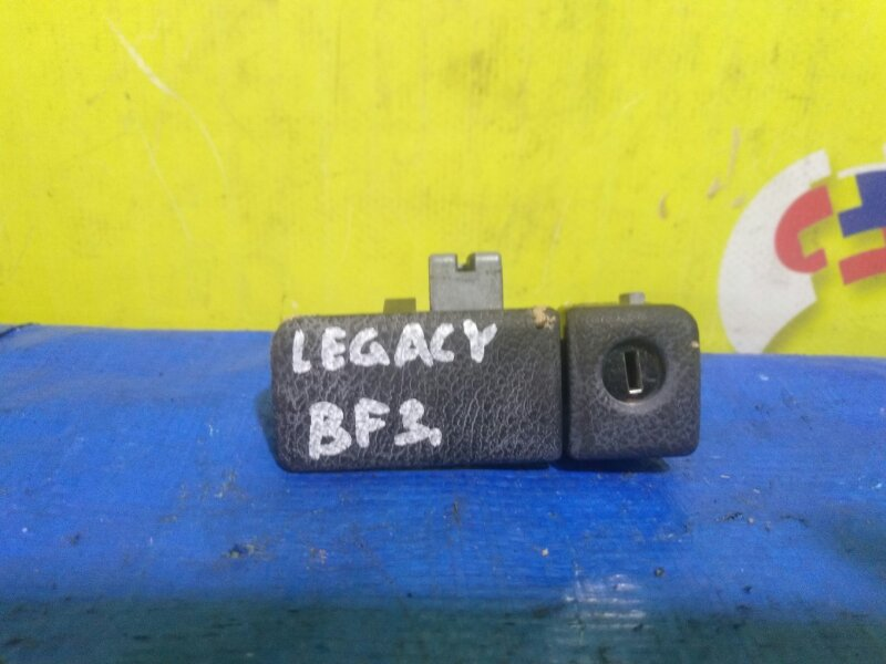 Замок бардачка Subaru Legacy BF3 (б/у)