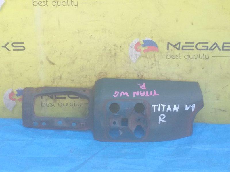Щечка Mazda Titan WG правая (б/у)
