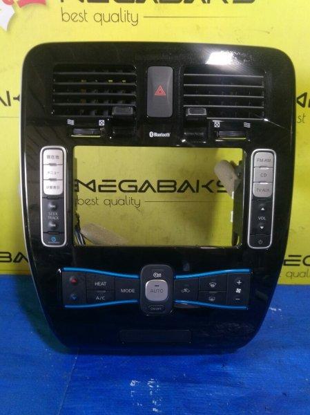 Блок управления климат-контролем Nissan Leaf AZE0 275003NH0A, 682603NA0A, 3NC1B210487 (б/у)