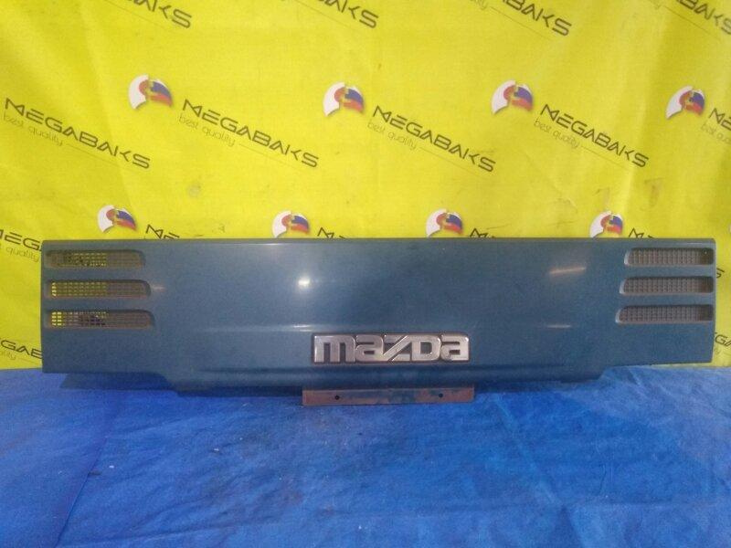 Решетка радиатора Mazda Titan WG W425507E1 (б/у)
