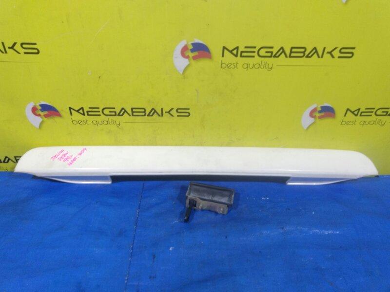 Накладка 5-й двери Mitsubishi Delica PA4W (б/у)