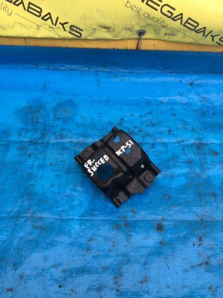Крепление жесткости бампера Toyota Succeed NCP51 переднее правое (б/у)
