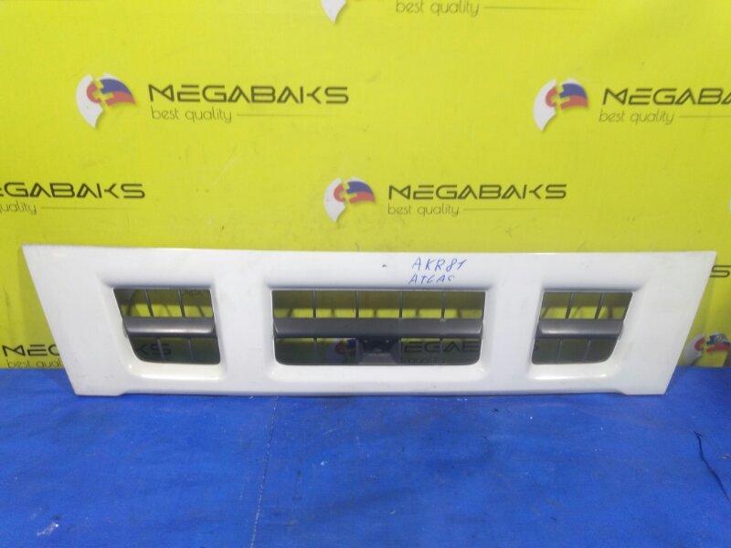 Решетка радиатора Nissan Atlas AKR81 (б/у)